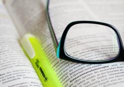 2021年河南公务员招考是否有指定的考试教材和培训班?